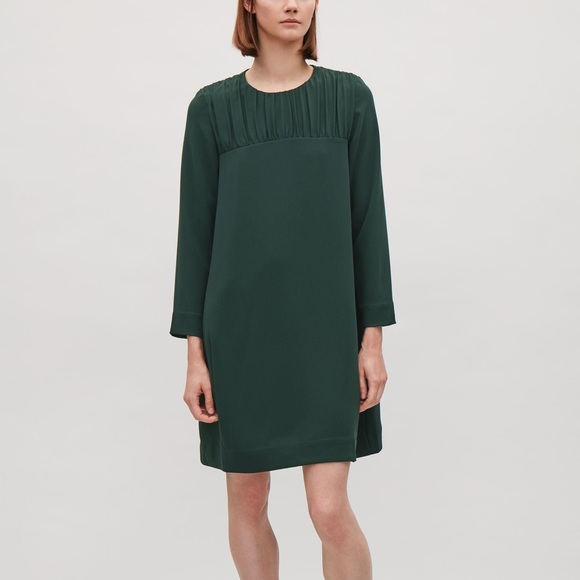 COS Dresses & Skirts - NWT COS babydoll dress in forest green